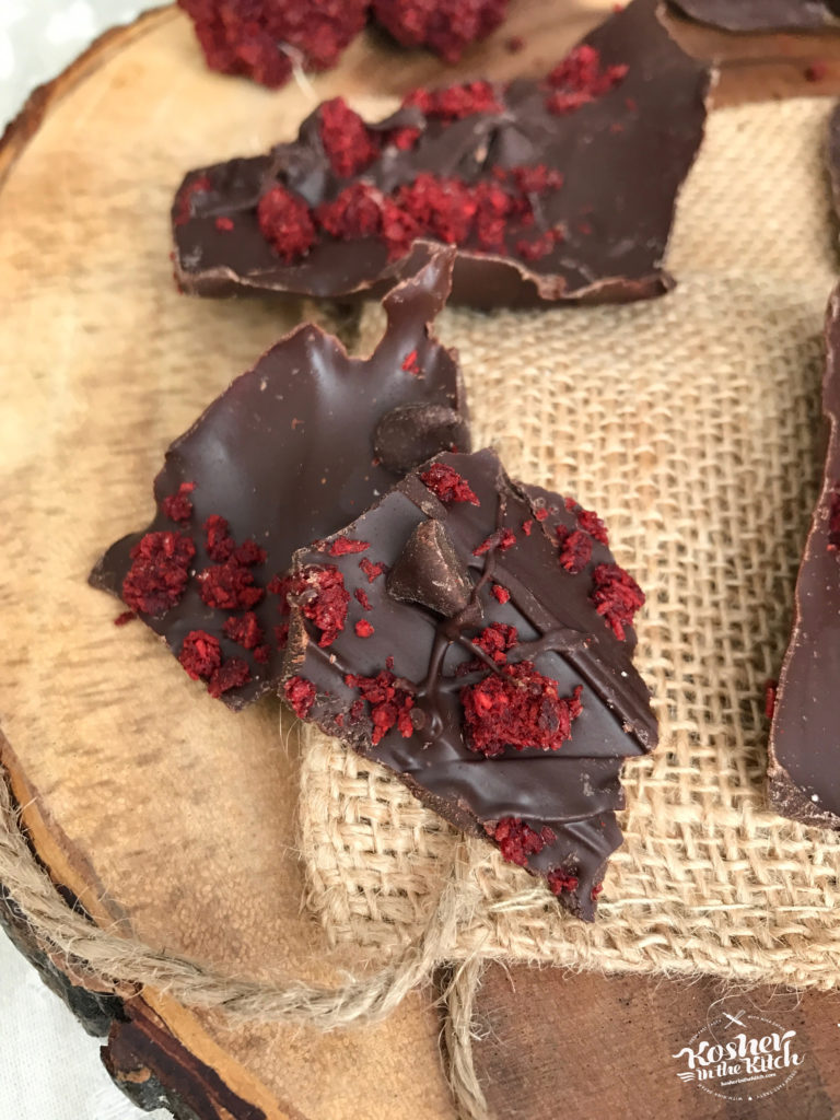 Red Velvet Macaroon Bark